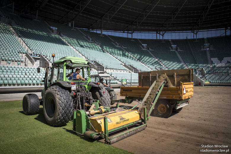 Murawa na boisku Stadionu Wrocław była wymieniana w 2016 r.