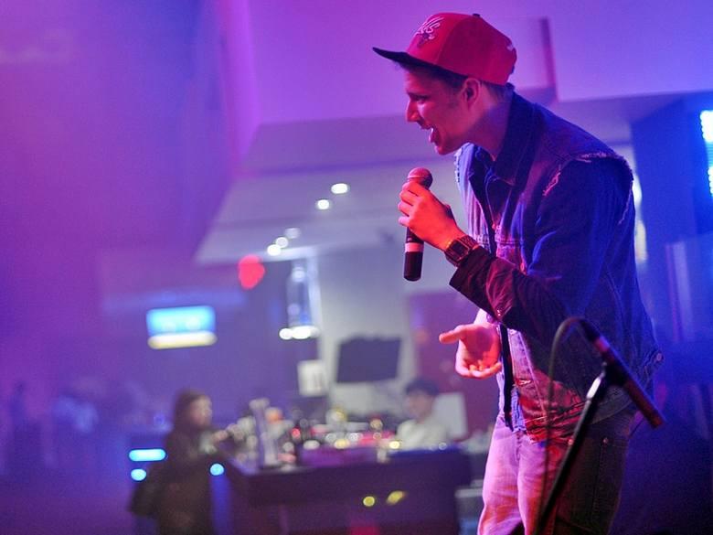 Mrozu zaśpiewał w przemyskim klubie Japa [FOTO]