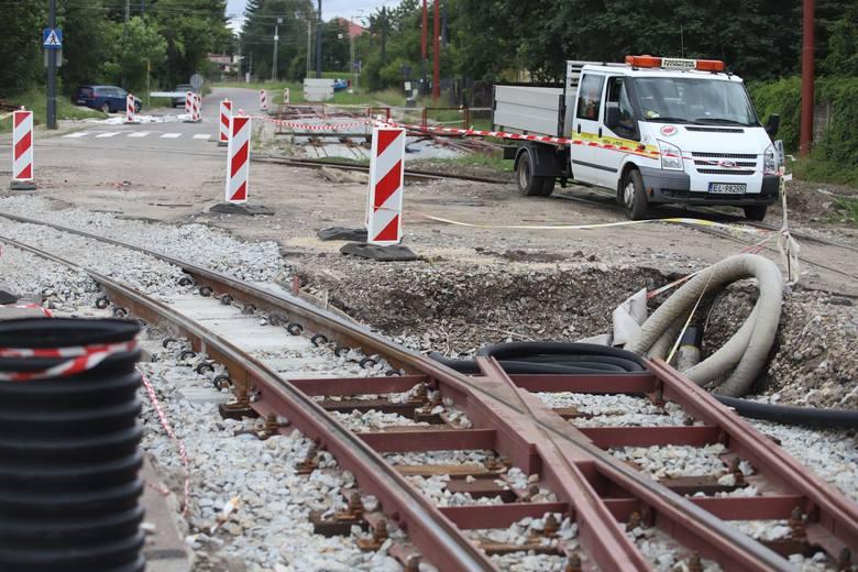 Wyremontowane i podwyższone zostaną również przystanki tramwajowe w tym rejonie miasta.