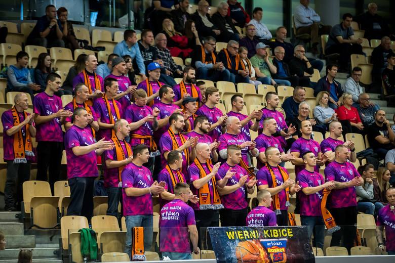 W 2. kolejce Basket Ligi Kobiet Artego Bydgoszcz rozgromiło Politechnikę Gdańską 92:54. Punkty dla Artego: Miśkiniene 23 (1), 7 zb., 4 as., Kiesel 22