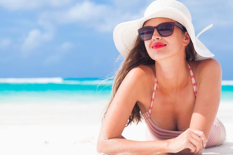 Słońce ma dobroczynny wpływ na organizm, czego przykładem jest fakt, że jego działanie na skórę to źródło większości witaminy D w ustroju. Nadmiar jego