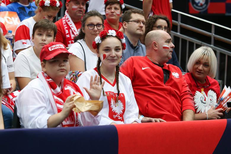 Reprezentacja Polski rozpoczęła siatkarskie mistrzostwa Europy od zwycięstwa nad Estonią. Biało-Czerwoni przekonują, że dopiero się rozpędzają, ale od