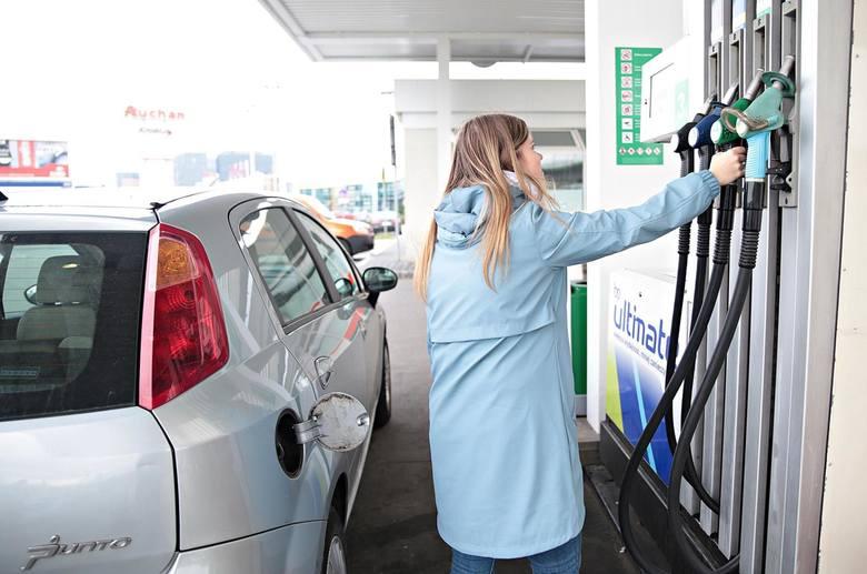 Бензин в Польше дешевеет с каждым днем