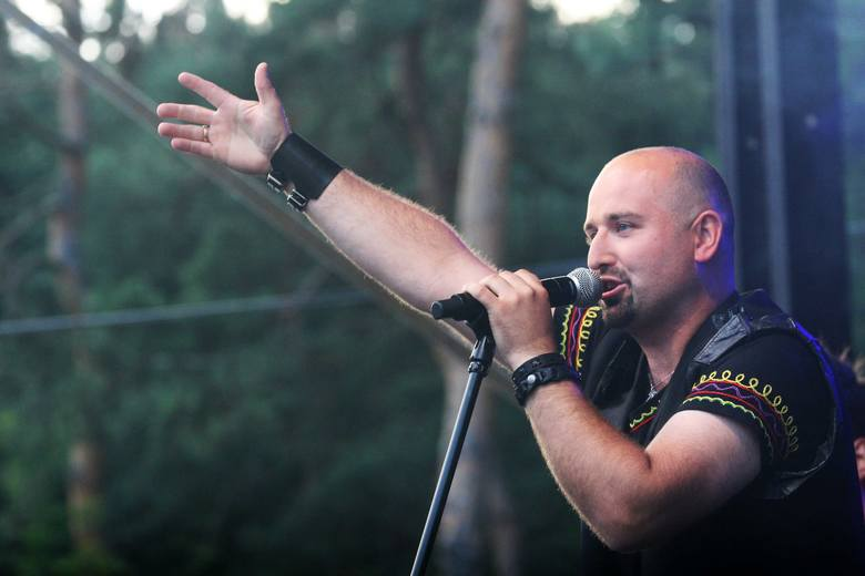 W 2013 r. Tomasz Jarosz z Lachersami wystapił na Imieninach Nowego Sącza. Sprawdź, czy jesteś na zdjęciach!