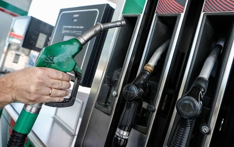 Benzyna na Podkarpaciu już po 3,99 zł z litr! Kolejne stacje obniżają ceny przez koronawirusa