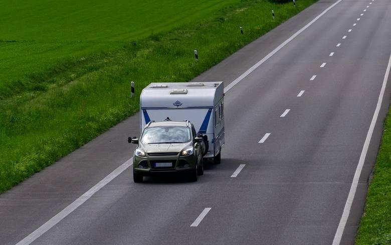 Przepisy drogowe w Europie. Dozwolone prędkości, opłaty za autostrady, winiety, tunele, jazda po alkoholu w krajach spoza Unii Europejskiej