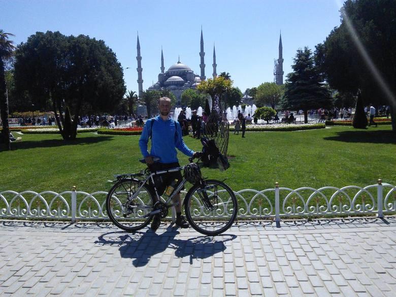 Michał Brakoniecki z Ostrołęki podróżuje rowerem dookoła świata! [ZDJĘCIA]