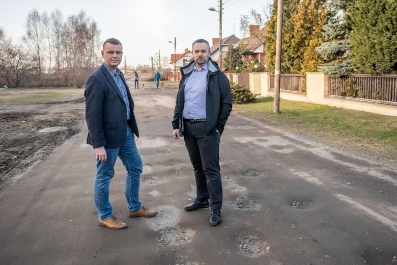 Zalania, dziury i błoto to codzienność. Jak się żyje na najgorszych ulicach w Poznaniu?