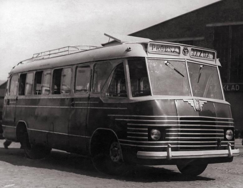 1951 N50 pierwszy autobus na zespołach krajowych