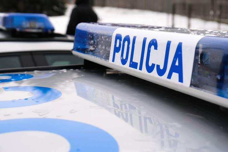 Wypadek w Agatówce. Jedna osoba ranna po zderzeniu ciężarówki z samochodem osobowym