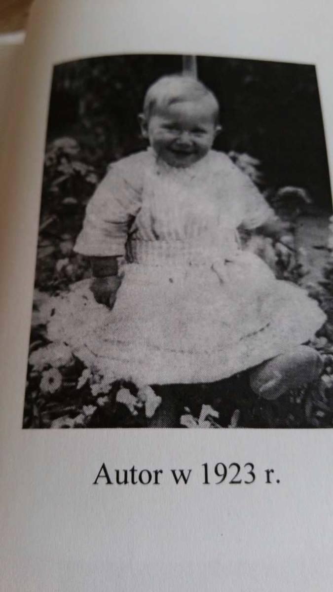 A tu autor wspomnień w 1923 r. Jedno z pierwszych zdjęć w rodzinnym albumie.