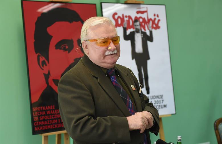 Były prezydent Lech Wałęsa gościł w Toruniu. We wtorek (26 września) Spotkał się z uczniami Liceum Akademickiego. Młodzież zadawała trudne pytania.Spotkanie