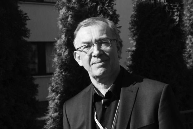 Marcin Tatrzański (1954 - 2019)Krośnianin, lekarz stomatolog.Był radnym Rady Miasta Krosna trzeciej kadencji (od 1998 roku do  2002 roku),  wieloletnim