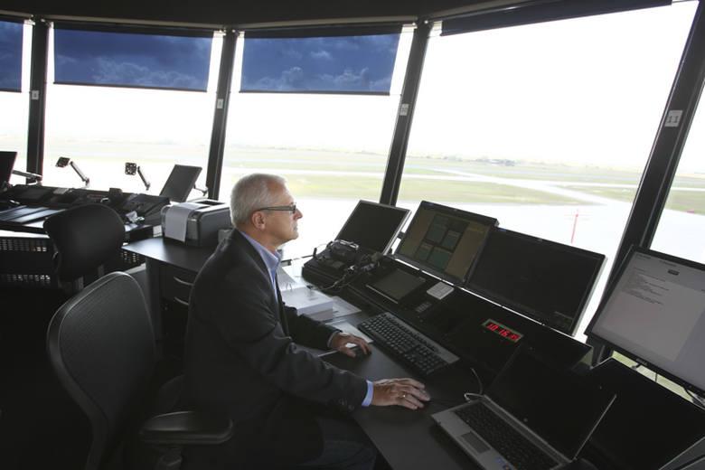 Nowa wieża kontroli lotów w Jasionce [ZDJĘCIA]