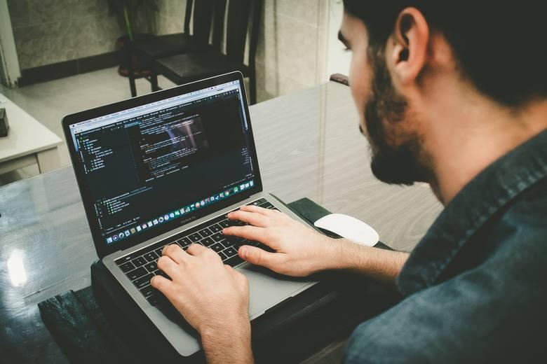 Jak wynika z opracowania firmy Randstad, doświadczeni specjaliści IT mogą liczyć na zarobki rzędu od kilkunastu do kilkudziesięciu tysięcy złotych miesięcznie.
