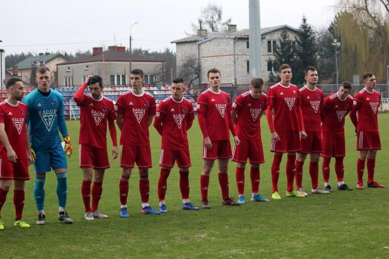 Co najmniej pięciu zawodników z wiosennej kadry Broni Radom, nie zagra jesienią w trzeciej lidze w tym klubie. W czerwcu pojawią się też nowi zawodnicy.