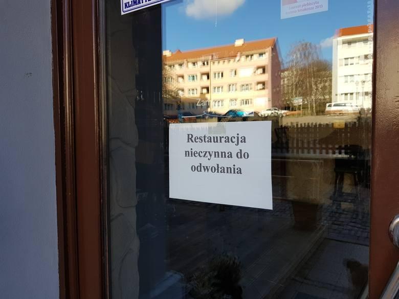 Kolejne lokale w Toruniu ogłaszają swoje zamknięcie. Mogłoby się wydawać, że szczyt pandemii za nami, a starówka wróciła do życia. Niestety, w Toruniu