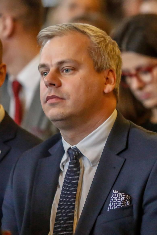 Karol Rabenda: Telewizja lokalna jest nieopłacalna, a jest dla Polaków źródłem wiedzy o małych społecznościach.