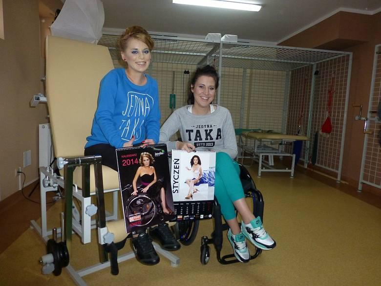 Olga Fijałkowska i Monika Buczyńska, miss i wicemiss pierwszych wyborów miss Polski na wózku, które w sierpniu zorganizowano w Ciechocinku.