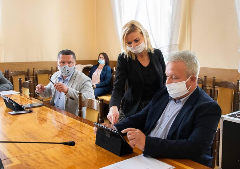 Z powodu pandemii koronawirusa 21 maja Rada Miasta Tarnobrzega pierwszy raz w historii obradowała zdalnie, z wykorzystaniem systemu informatycznego e-sesja,