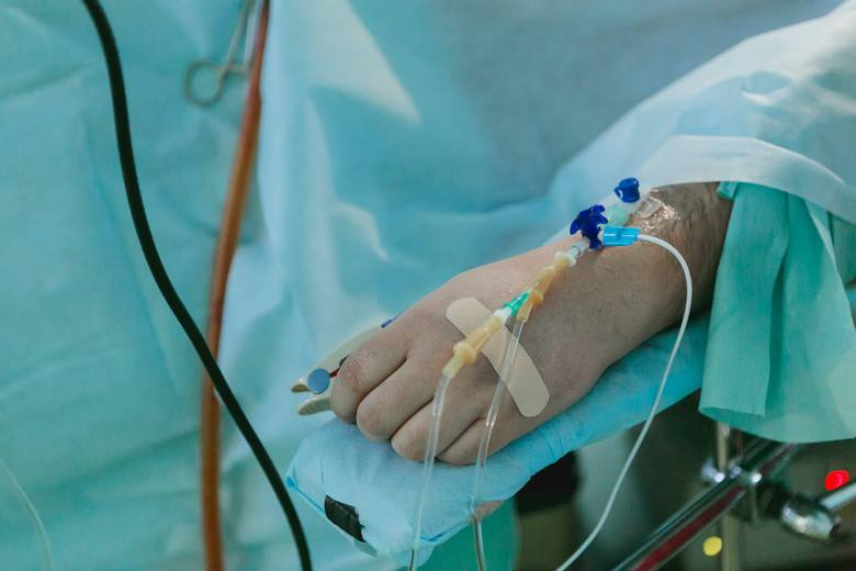 Przyczyną groźnych powikłań choroby od koronawirusa nie jest sam patogen, tylko nasilony stan zapalny