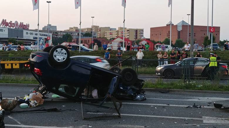 Wypadek na ulicy Sosnkowskiego w Opolu.