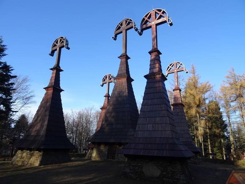Galicyjskie cmentarze wojenne z okresu I wojny światowej to zespół ponad 400 (!) cmentarzy wojennych powstałych po 3 listopada 1915 r., kiedy to w wiedeńskim