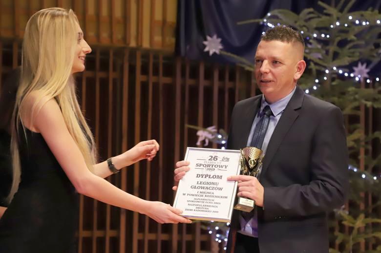 Drużyną Roku 2019 w powiecie kozienickim został Legion Głowaczów. Nagrodę - w imieniu klubu - odebrał trener Konrad Wolski.