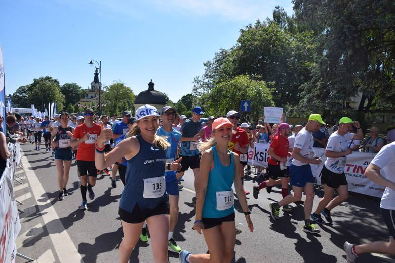 W obu biegach 6. PKO Białystok Półmaraton wystartowało około 4,5 tysiąca osób. Zwycięzcą półmaratonu został Hillary Kiptum Maiyo z Kenii, który dystans