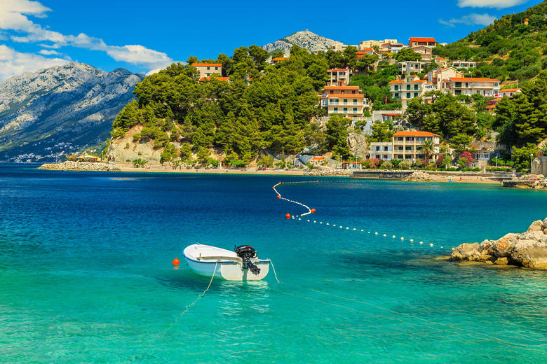 Jak wynika z danych portalu, wśród najczęściej wybieranych destynacji znalazły się Czarnogóra i Chorwacja.