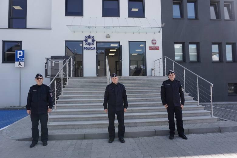 W przekazaniu obiektu uczestniczyli komendant miejski policji w Łodzi insp. Paweł Karolak i przełożony retkińskich policjantów podinsp. Rafał Rękawi
