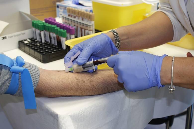 Grupa krwi ma wpływ na zachorowanie i przebieg COVID-19.