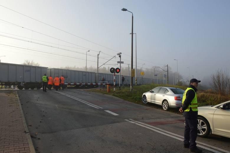 Po wypadku dwóch pociągów Suchedniowie. Wielkie zamieszanie w ruchu (ZDJĘCIA, WIDEO)