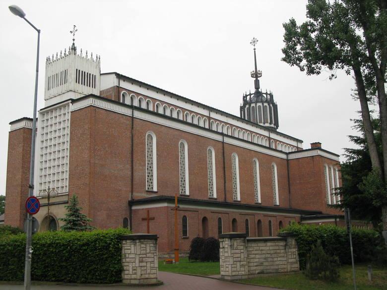 Tarnów Mościce. Modernistyczny kościół zbudowano już po wojnie.