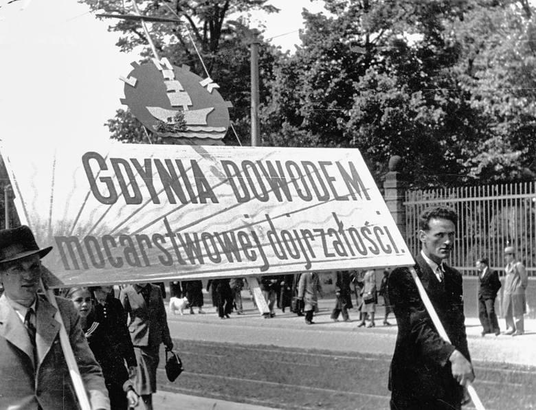 """Polskie święta pod palmami? Paweł Siennicki o nowym numerze """"Naszej Historii"""""""