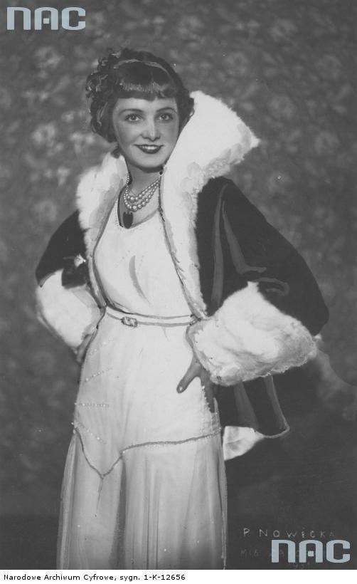 Stanisława Nowicka, miss Zakopanego 1931, aktorka, piosenkarka. Fotografia portretowa.