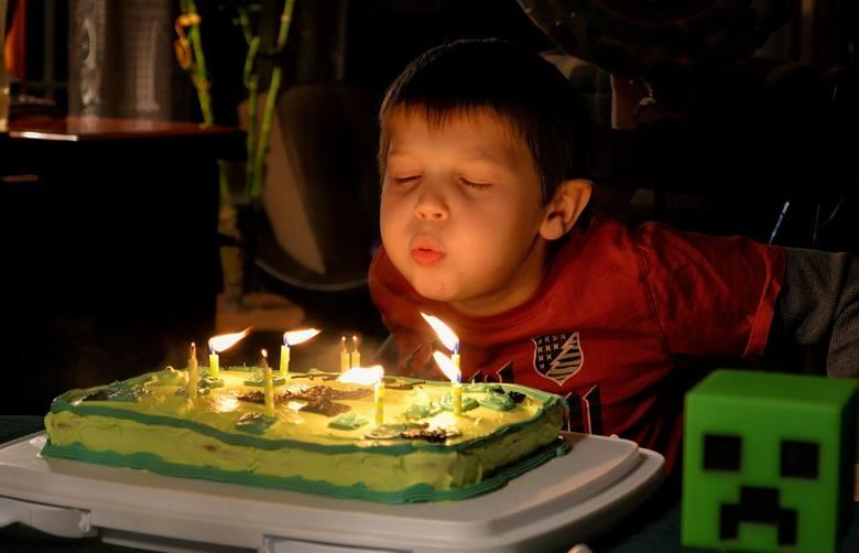 Urodziny dla dziecka to zawsze spore wyzwanie. Nasze pociechy bywają bardzo wymagające. Nie wszystkie chcą obchodzić swoje święto w domowym zaciszu.