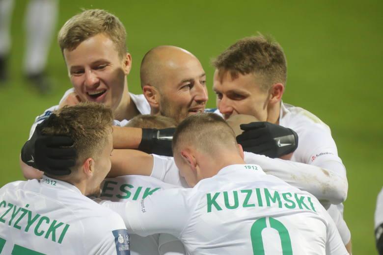 Warta Poznań ma 1 proc. szans na zajęcie na koniec sezonu 4. miejsca w PKO Ekstraklasie.