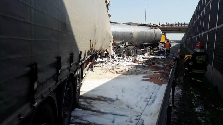 Wypadek na autostradzie A4. Zderzyło się kilka ciężarówek, są ofiary. Autostrada A4 była zamknięta w kierunku Rzeszowa