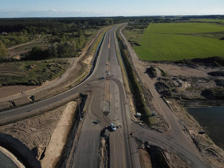 Zobaczcie zdjęcia z prac prowadzonych przy budowie drogi S6 na odcinku Kiełpino - Kołobrzeg Zachód!Więcej informacji o pracach związanych z budową drogi