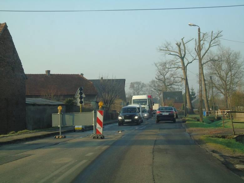 Rozpoczęła się długo oczekiwana, w szczególności przez mieszkańców Wrociszowa, rozbudowa drogi wojewódzkiej 297 relacji Nowa Sól – Kożuchów – Szprotawa.Prace