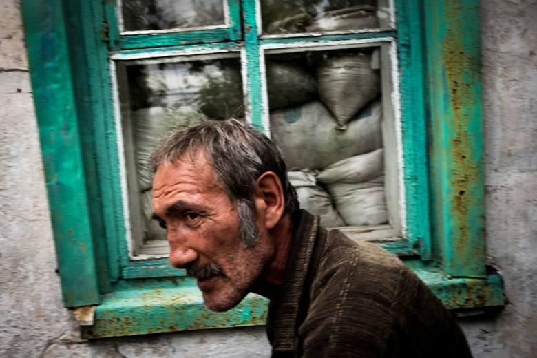 Fotoreportaż - II miejsce w kategorii WYDARZENIAUkraina: Trawnewe, Trojeckie. Wojna na Ukrainie trwa już piąty rok. Początkowo dynamiczny konflikt przerodził
