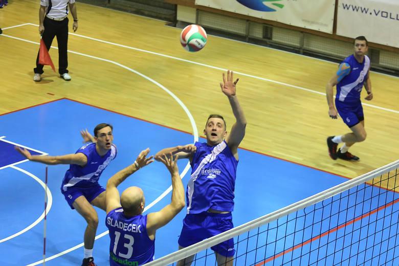 Espadon wygrał oba mecze w Krakowie.