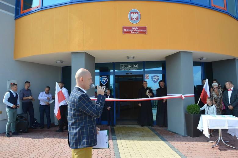 Szkoła Mistrzostwa Sportowego przy ul. Tarniowej w Przemyślu to inicjatywa miejscowego przedsiębiorcy Macieja Makarowskiego. Szkoła proponuje blisko