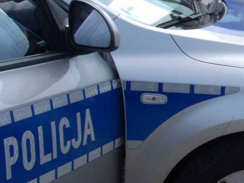 Gmina Wierzbica: 17-latek, bez uprawnień do kierowania samochodem, spowodował wypadek drogowy