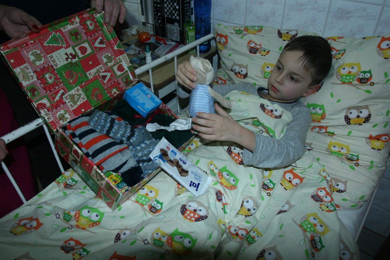 Święta w szpitalu nie były smutne dzięki prezentom [ZDJĘCIA, WIDEO] - Gazetakrakowska.pl