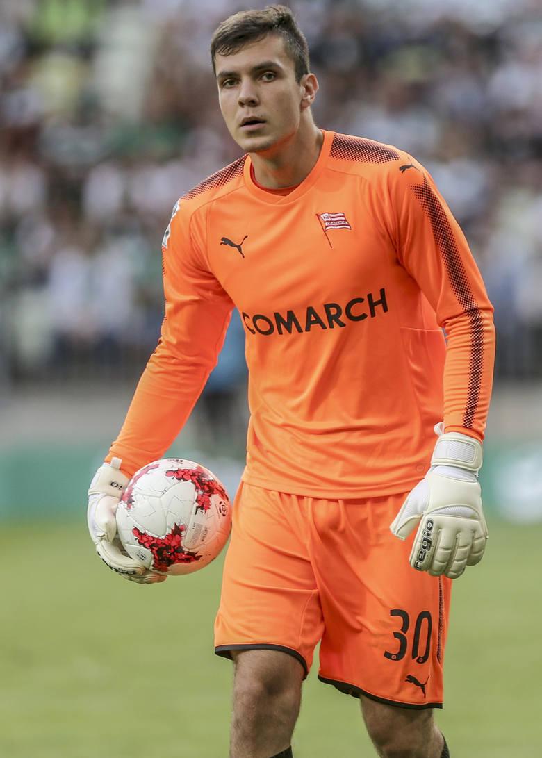 Bramkarz: ADAM WILK (Cracovia)22 lata, wychowanek Cracovii. Jesienią bramkarz numer 3 w klubie, ale krakowska piłka nie wykreowała mu konkurenta do tej