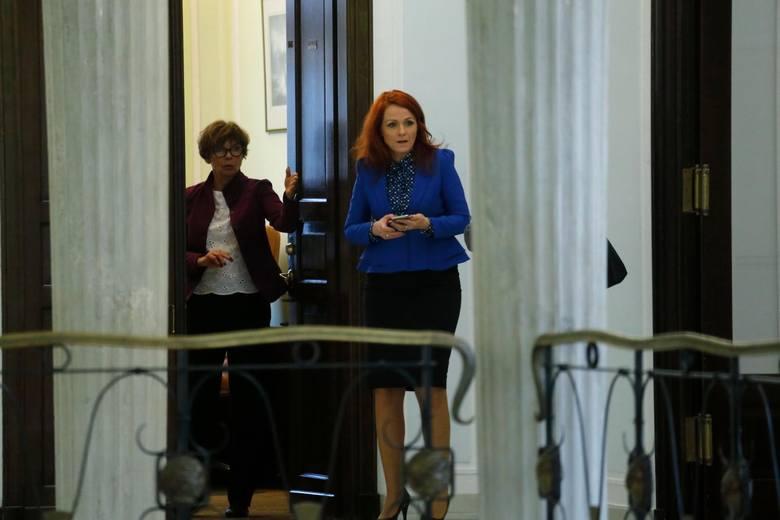 Kara grzywny dla szefowej Kancelarii Sejmu. Ziobro ma dostarczyć dokumenty