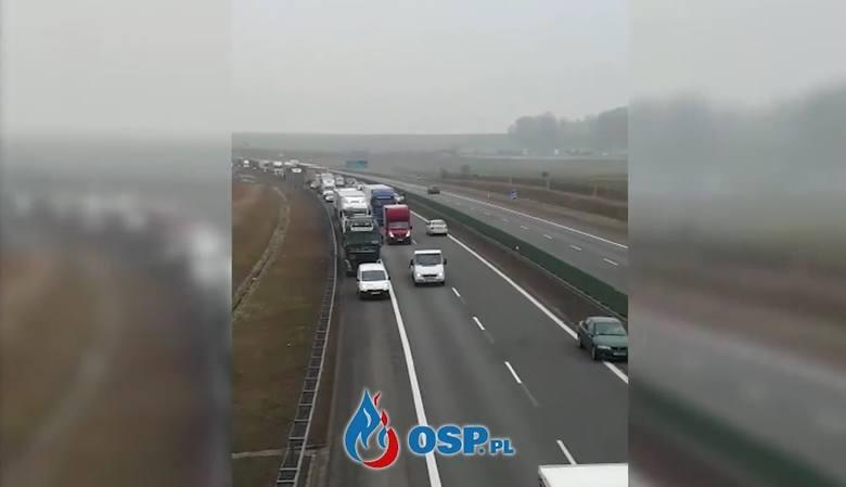 Korytarz życia po polsku. Kierowcy jechali autostradą A4 pod prąd po wypadku pod Strzelcami Opolskimi [ZDJĘCIA, WIDEO +18]