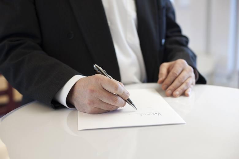 Koronawirus i gospodarka. Urząd pracy otrzymał wnioski o zwolnienia grupowe. Z trzech firm